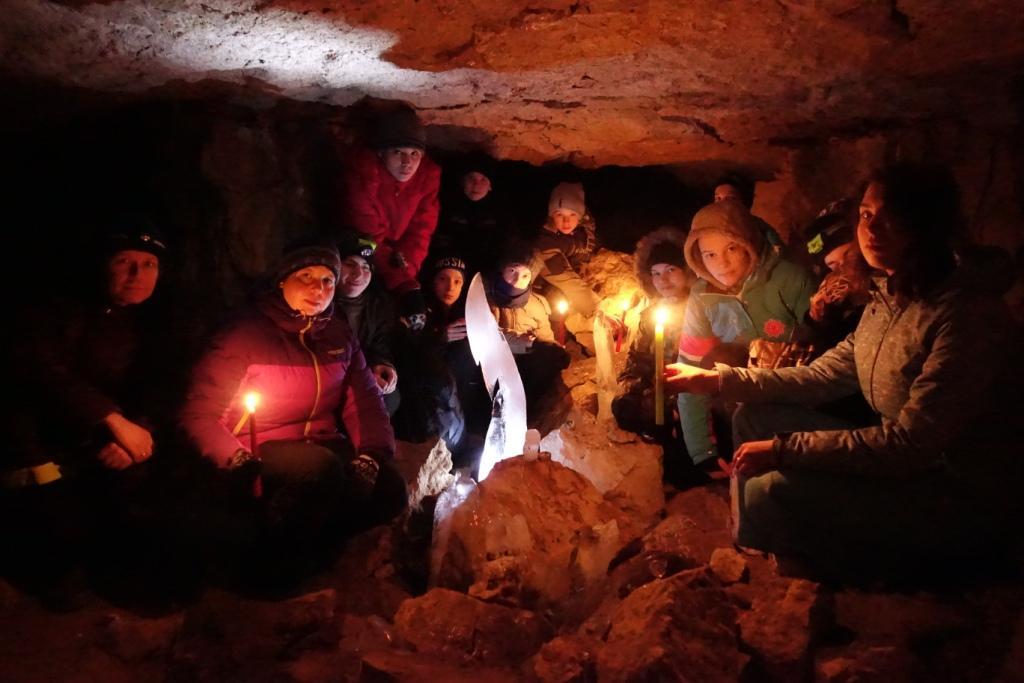 Следопыты Московского отделения БПС совершили поход в Ледяную пещеру