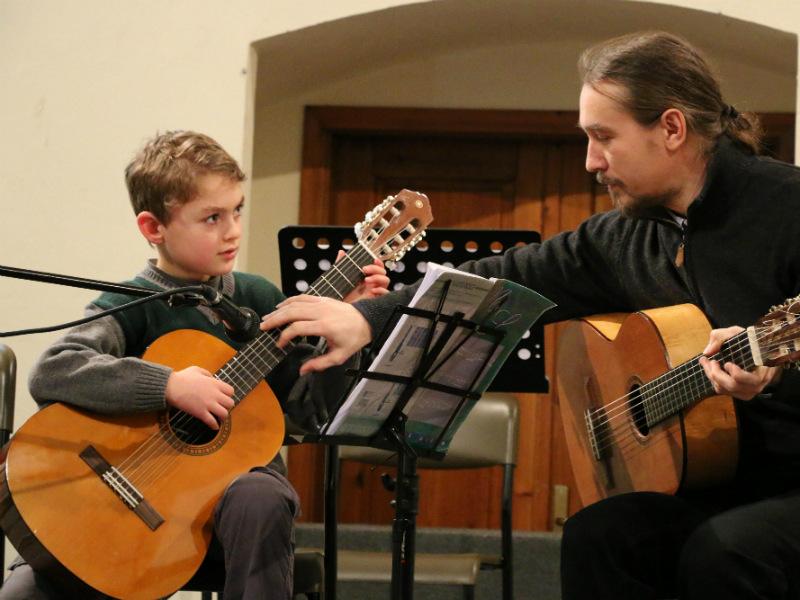 14 сентября 2017 года - встреча с преподавателем игры на гитаре (классическая гитара и русская семиструнная гитара) Александром Мироновым