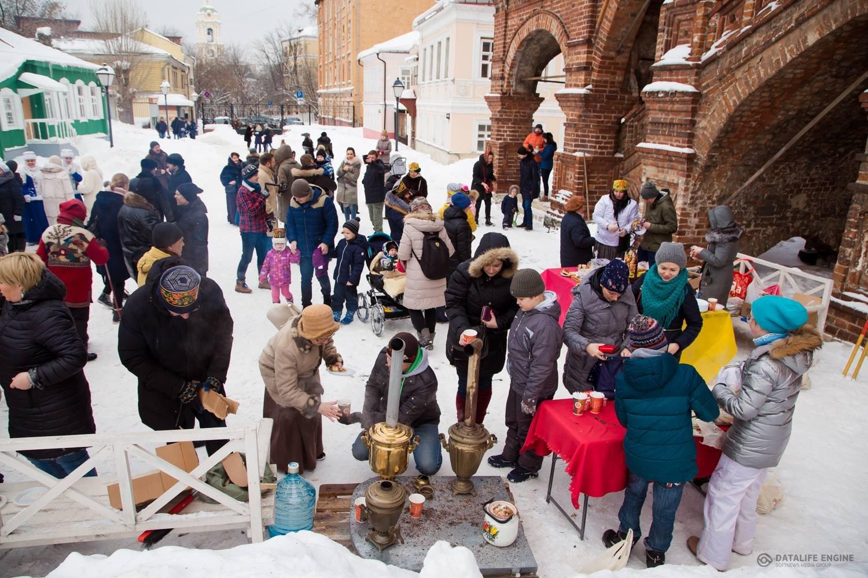 Следопыты Московского отделения БПС приняли участие в благотворительной ярмарке на Крутицком подворье