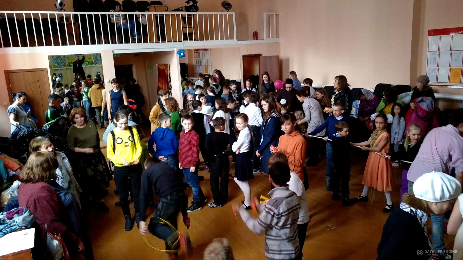 Преображенцы провели Пасхальную ярмарку в Чесноковке